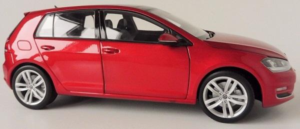 โมเดลรถ โมเดลรถเหล็ก โมเดลรถยนต์ Volkswagen Golf 7 red 3