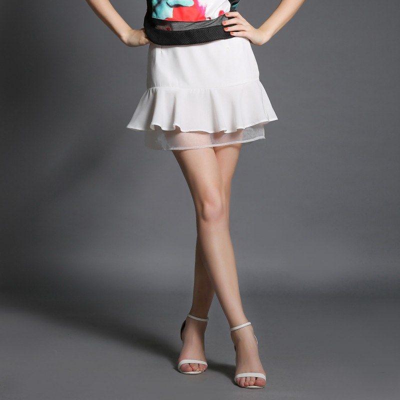 Skirt328 กระโปรงผ้าฮานาโกะสีพื้นขาวซิปหลังชายระบายแต่งผ้าใยแก้ว งานน่ารักผ้านุ่มใส่สบาย แมทช์กับเสื้อได้หลายแบบ