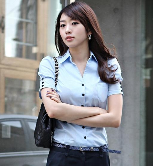 เสื้อเชิ๊ตทำงานผู้หญิงแขนสั้น สีฟ้า เรียบแบบมีสไตล์