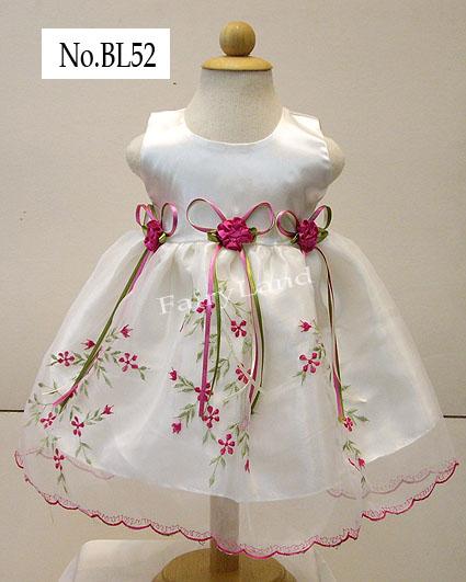 ชุดเด็กออกงานวัยเบบี้สีขาวปักลายดอกซากุระ ฺBL52