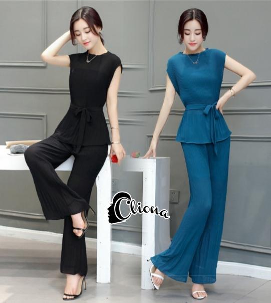 เสื้อผ้าเกาหลี พร้อมส่ง เซ็ตเสื้อคอกลม+กางเกงขาม้าเอวยางยืด