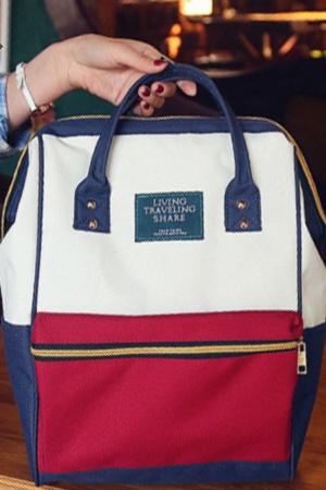 กระเป๋าเป้ แบรนด์ Living Traveling Share