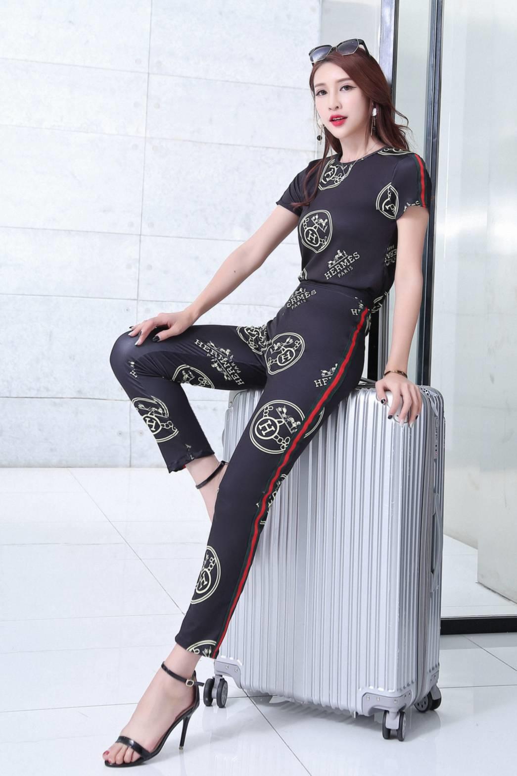 เสื้อผ้าแฟชั่นพร้อมส่ง เซทเสื้อ+กางเกงเอวสูง ใส่แล้สดูมีเอวสุดๆๆ