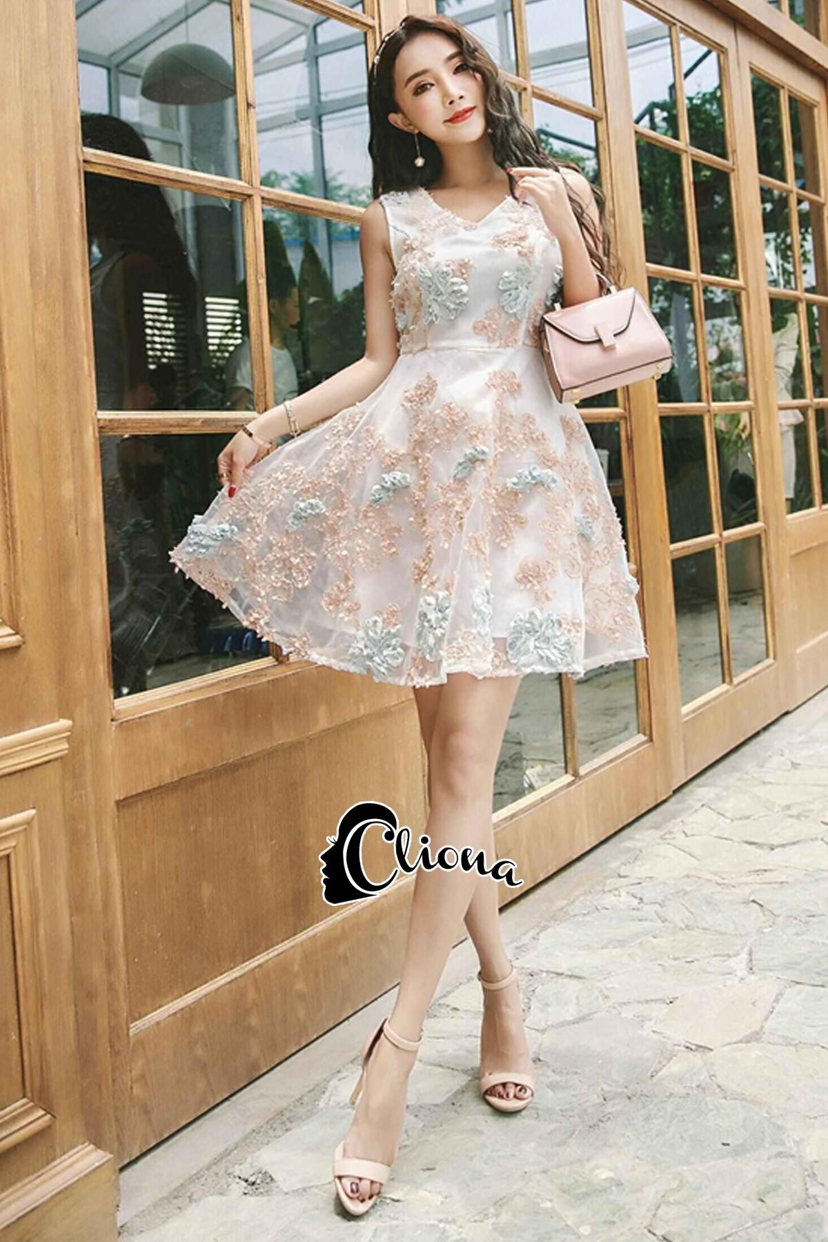 ชุดเดรสเกาหลีพร้อมส่ง Joy Happy Life Luxury Dress