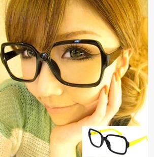 แว่นตาแฟชั่นเกาหลี กรอบดำขาเหลือง(ไม่มีเลนส์)
