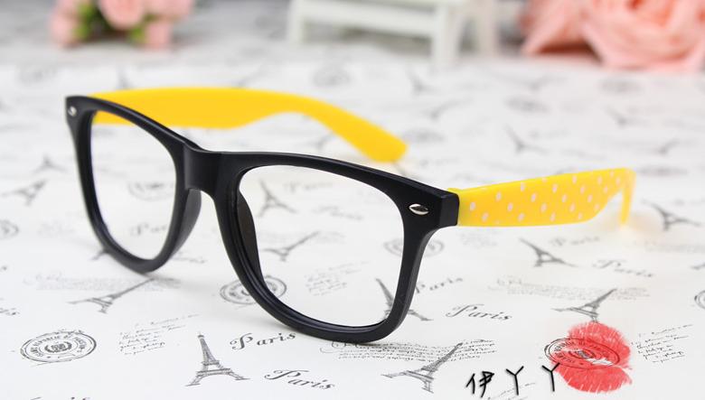 แว่นตาแฟชั่นเกาหลี ดำเหลืองลายจุด (ไม่มีเลนส์)