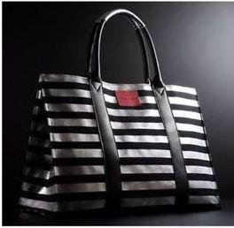 กระเป๋า Victoria's Secret ใบใหญ่สุด ชิค พร้อมส่ง