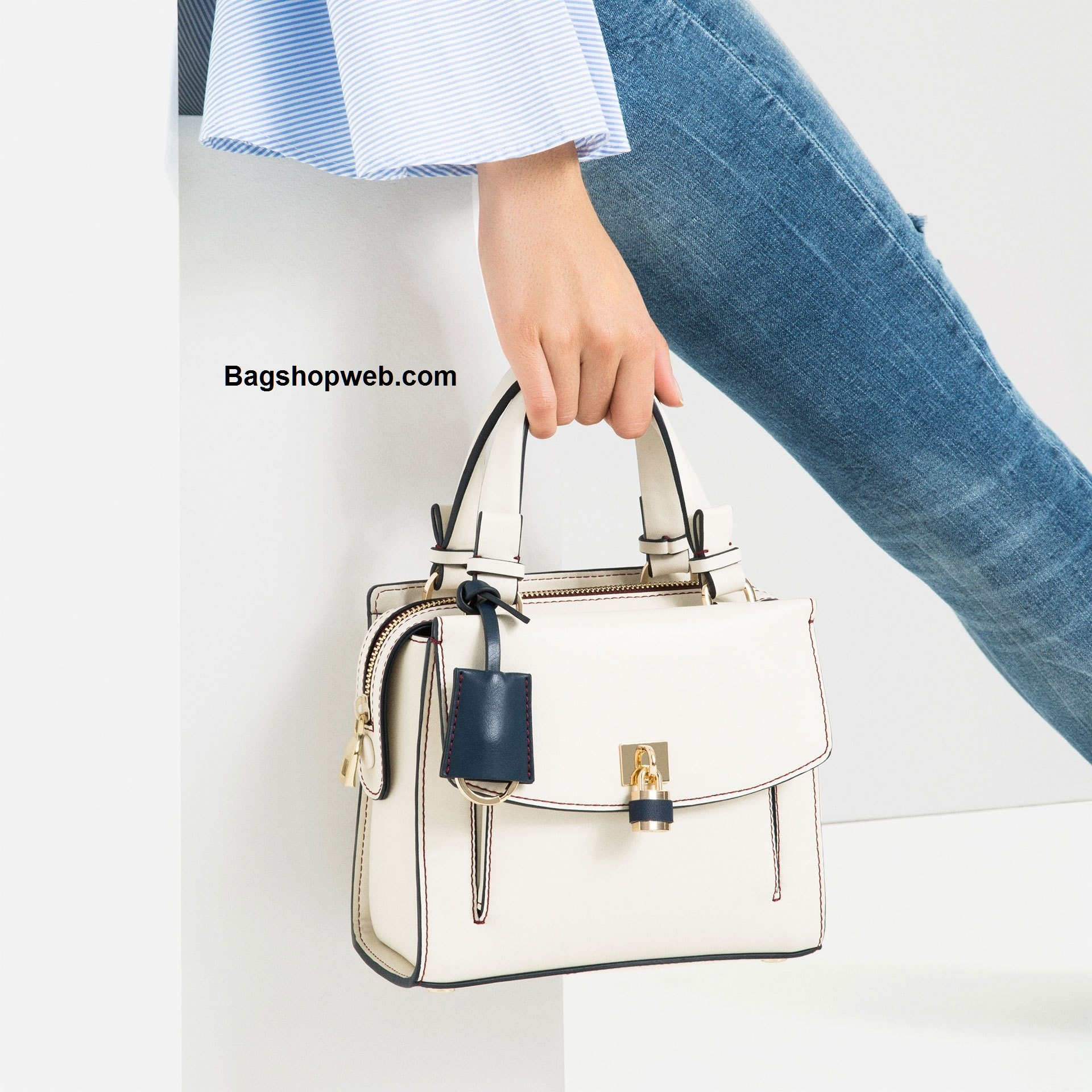 กระเป๋า ZARA MINI CITY BAG กระเป๋าถือ สีขาว พร้อมส่ง ชนชอปอเมริกา