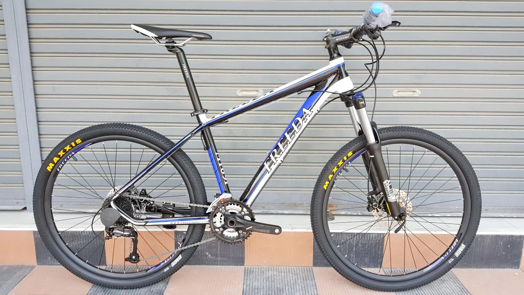 Superpromotion Freeda MT691 ล้อ 26 นิ้ว เฟรมอลู ไซส์ 17 นิ้ว ดิสก์เบรคน้ำมัน Shimano เกียร์ Shimano Altus 27 Speed กระโหลกกลวง โช๊คล็อค