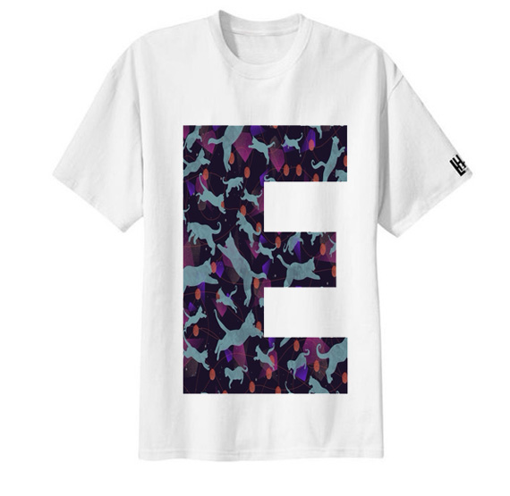 เสื้อยืด ลาย ตัวอักษร E