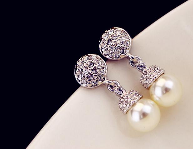 Pearl Drop Clip