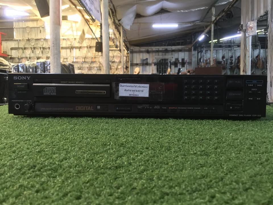 เครื่องเล่น CD SONY CDP-203 สินค้าไม่พร้อมใช้งาน (ต้องซ่อม)