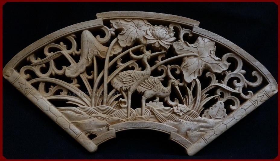 แผ่นไม้แกะสลักศิลปะจีน นกกระเรียนในบึงบัว 40 cm