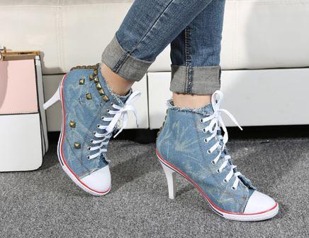 รองเท้าผ้าใบหุ้มข้อส้นสูงแฟชั่นเกาหลี