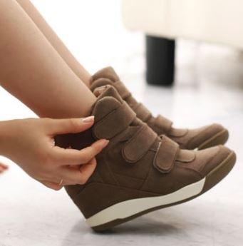 รองเท้าผ้าใบส้นสูงหนังสไตล์เกาหลี