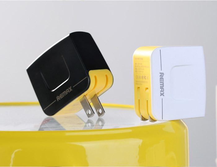 ที่ชาร์จ Remax Dual USB Charger 3.4 A