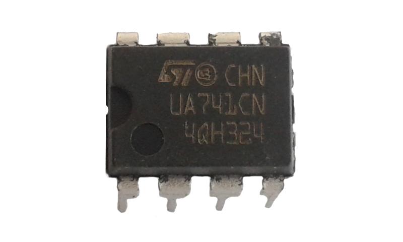 UA741
