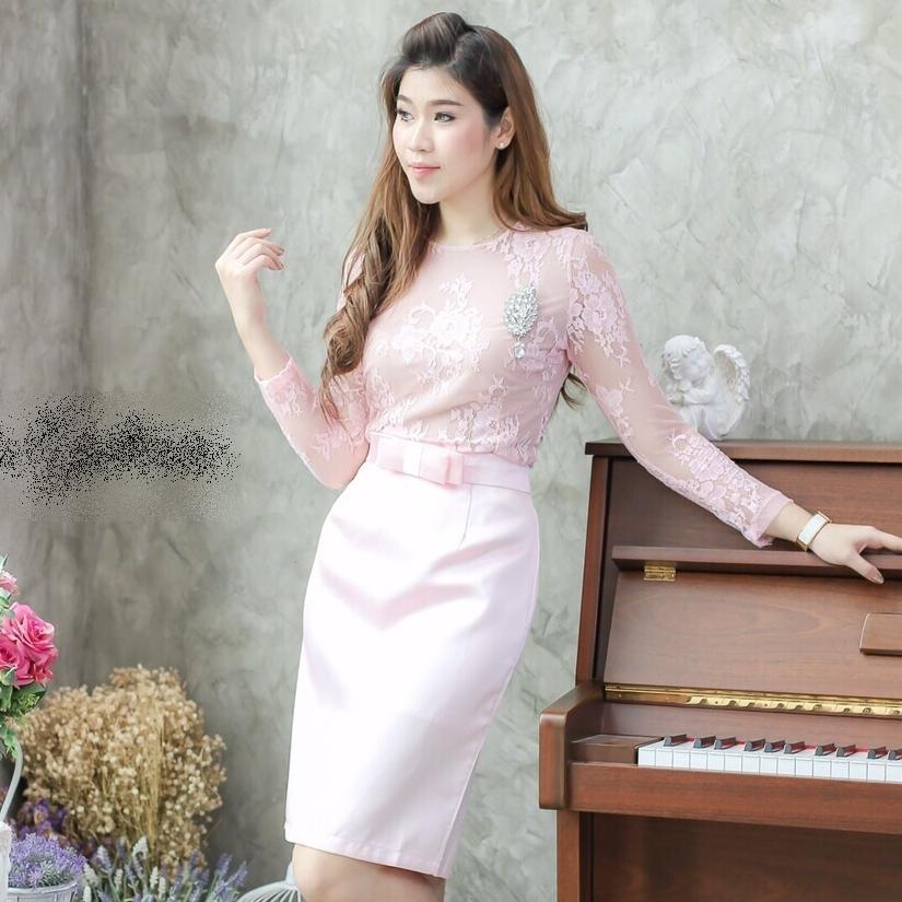 ชุดไปงานแต่งงาน/ชุดออกงานสีชมพู เซ็ทเสื้อลูกไม้ แขนยาว+กระโปรงเข้ารูปผ้าไหมอิตาลีเกรดพรีเมี่ยม +เข็มขัดโบว์เข้าชุด