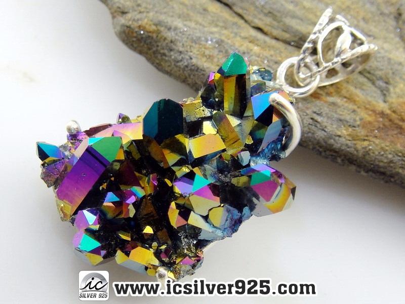 ▽ออร่าควอตซ์ Titanium Rainbow Aura Quartz - จี้เงินแท้ 925 (8.5g)