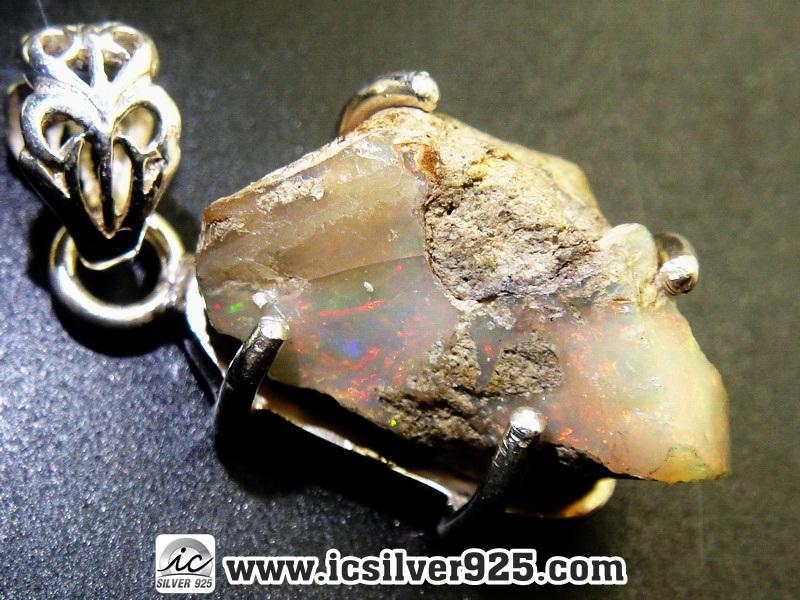 โอปอลเอธิโอเปีย (Ethiopian Opal Rough) -จี้เงินแท้ 925 (3.5g)