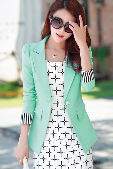 (สินค้าหมด) เสื้อสูทแฟชั่น เสื้อสูทผู้หญิง สีเขียวมิ้นท์ แขนยาวพับลายทาง ทรงเข้ารูป
