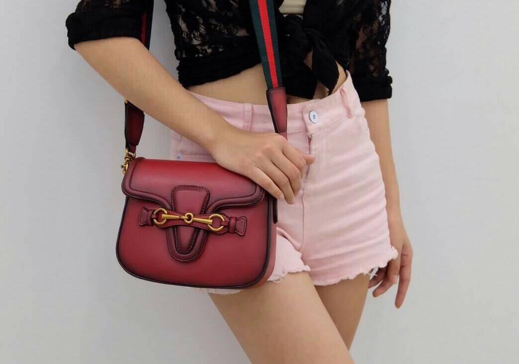 *Gucci mini bag*
