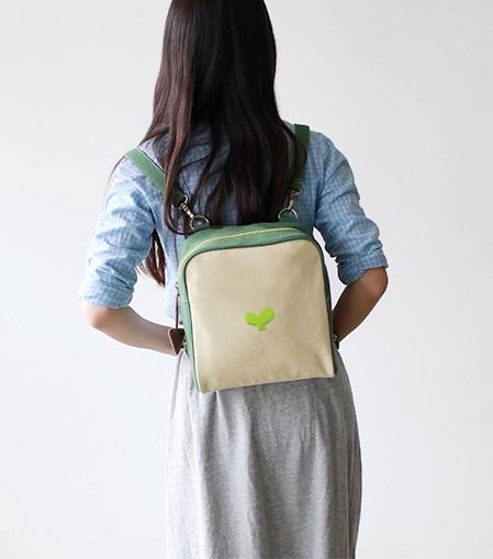 Pre-Order กระเป๋าเป้ทรงสี่เหลี่ยม สายถอด-ปรับได้