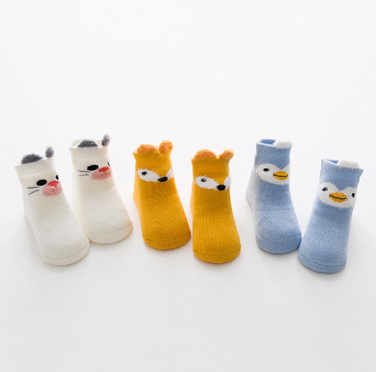 ถุงเท้าสั้น ลายจิ้งจอกแมวแพนกวิน คละสี แพ็ค 12 คู่ ไซส์ ประมาณ 0-1 ปี