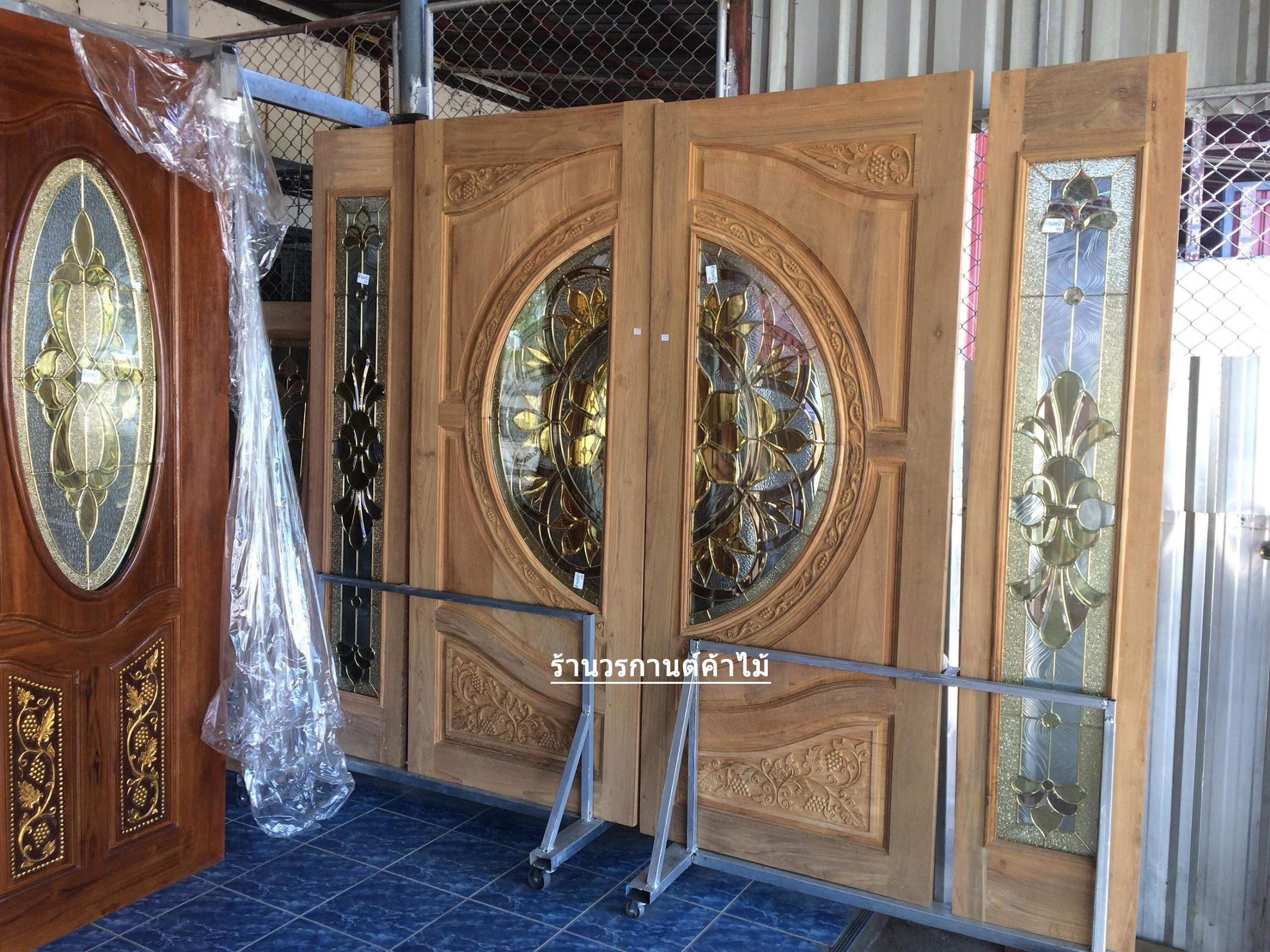 ประตูไม้สักกระจกนิรภัยแตงโม ชุด4ชิ้น รหัส NOT14