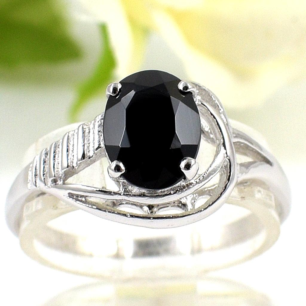 แหวนพลอยผู้หญิงเงินแท้ 92.5 เปอร์เซ็น ฝังด้วยพลอยนิลแท้