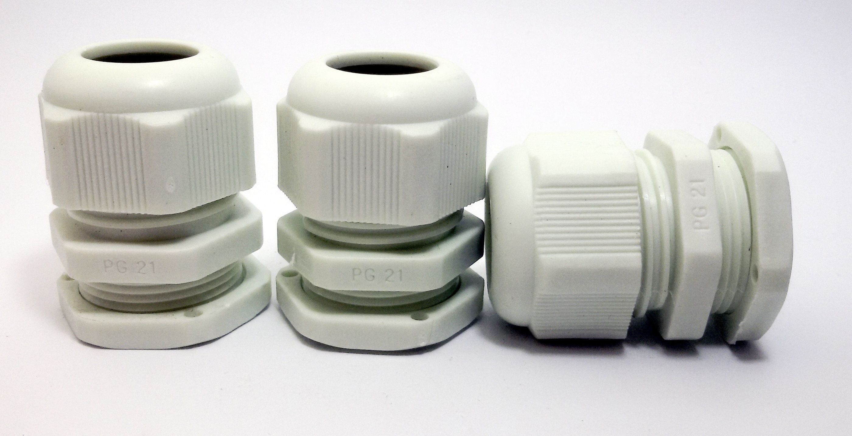 LOBO ELECTRIC CABLE GLAND PG21 13 -18 mm. สีขาว