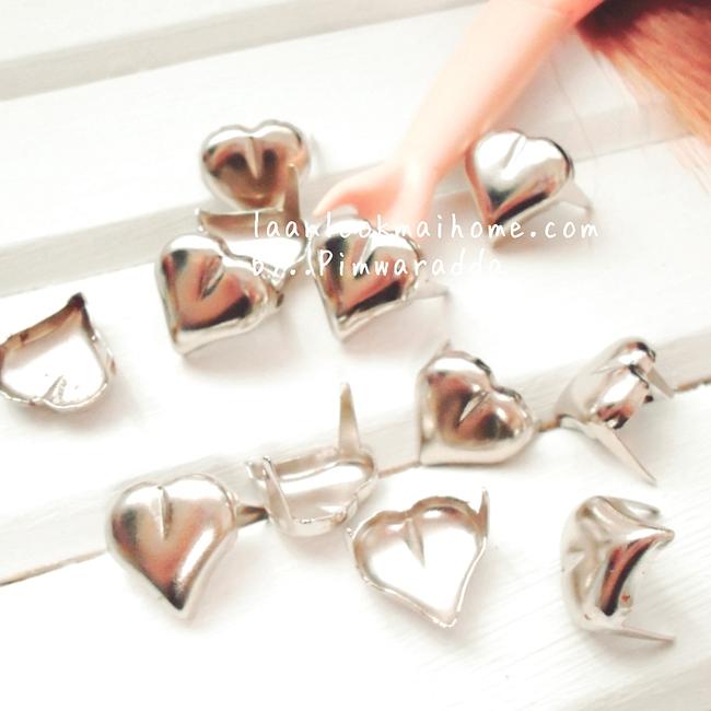 หมุดตกแต่งงานฝีมือ เสื้อผ้า, กระเป๋า ขนาด 1 cmรูปหัวใจ ราคาต่อ1โหลค่ะ