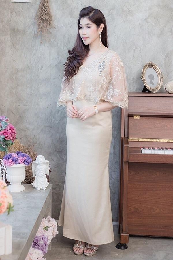 (Size M,L) ชุดไปงานแต่งงาน ชุดไปงานแต่งสีทอง Maxi Dress ชุดนี้ทางร้านใช้ผ้าเครปซาตินเนื้อดีเกรดพรีเมี่ยมผ้าทิ้งตัวมีน้ำหนักใส่แล้วเป็นทรงสวยคะสามารถใส่ออกงาน