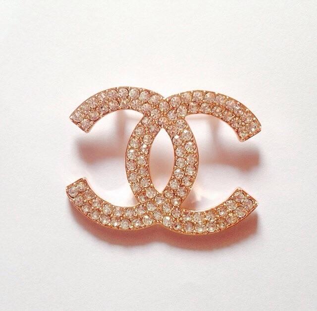 เข็มกลัด Chanel Size 4.5x3.3cm