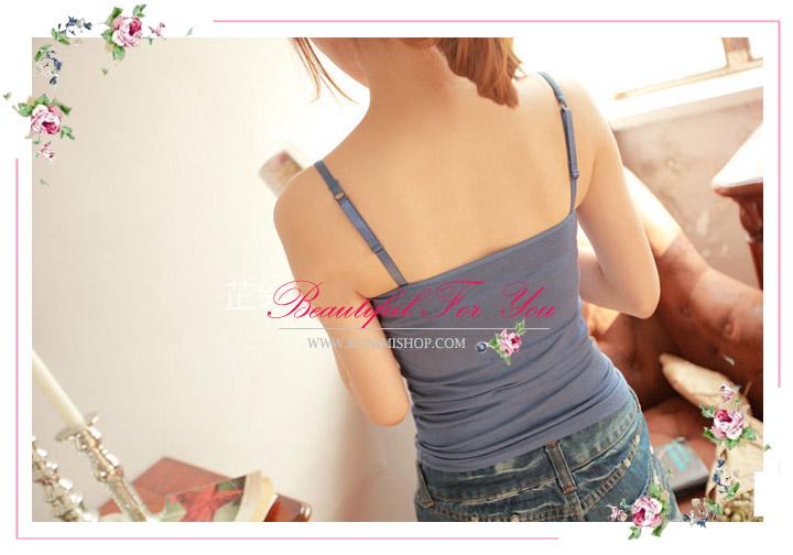 เสื้อกล้าม ซับใน สายเดี่ยว สามารถปรับขนาดได้   ช่วงหน้าอก เสริมฟองน้ำอย่างดี   ผ้ายืดใส่สบาย สวย เซ็กซี่มากคะ   จะใส่เดี่ยวๆ หรือ จะใส่ชุดกับเสื้อคลุมอีกตัวก็ดูดีคะ    สินค้าเหมือนแบบ 100%     ขนาด :FREE SISE ( รอบอกไม่เกิน 35 นิ้วคะ)   ผ้า  :ผ้าฝ้ายผสม ( มีความยืดหยุ่น)      มี 6 สี :  สีขาว , สีดำ , สีเนื้อ , สีส้มอ่อน , สีฟ้าคราม , สีม่วงอ่อน
