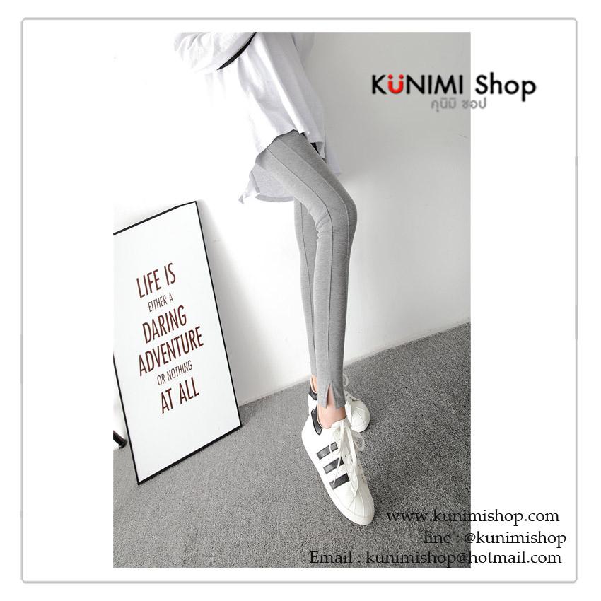 กางเกงเลคกิ้งขายาว ทรงสวย เข้ารูป เนื้อผ้ายืดหยุ่น จะใส่ออกกำลังกาย หรือ ใส่ไปเที่ยวก็สวยคะ ขนาด ความยาวกางเกง 91 cm. รอบเอว : (ก่อนยืด) 22 นิ้ว ( ยืดได้ถึง 34 นิ้ว) สะโพก (ก่อนยืด) 28 นิ้ว ( ยืดได้ถึง 36 นิ้ว )