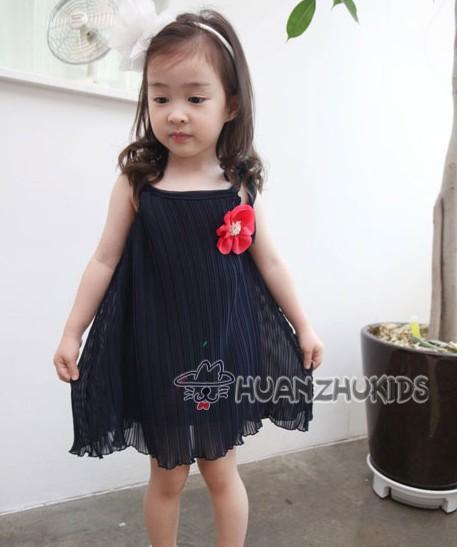 huanzhu kidsชุดเดรสแฟชั่นเด็ก สีน้ำเงิน-ดำ มีดอกไม้ประดับที่อก หรูสวย ขนาด 110,120,130