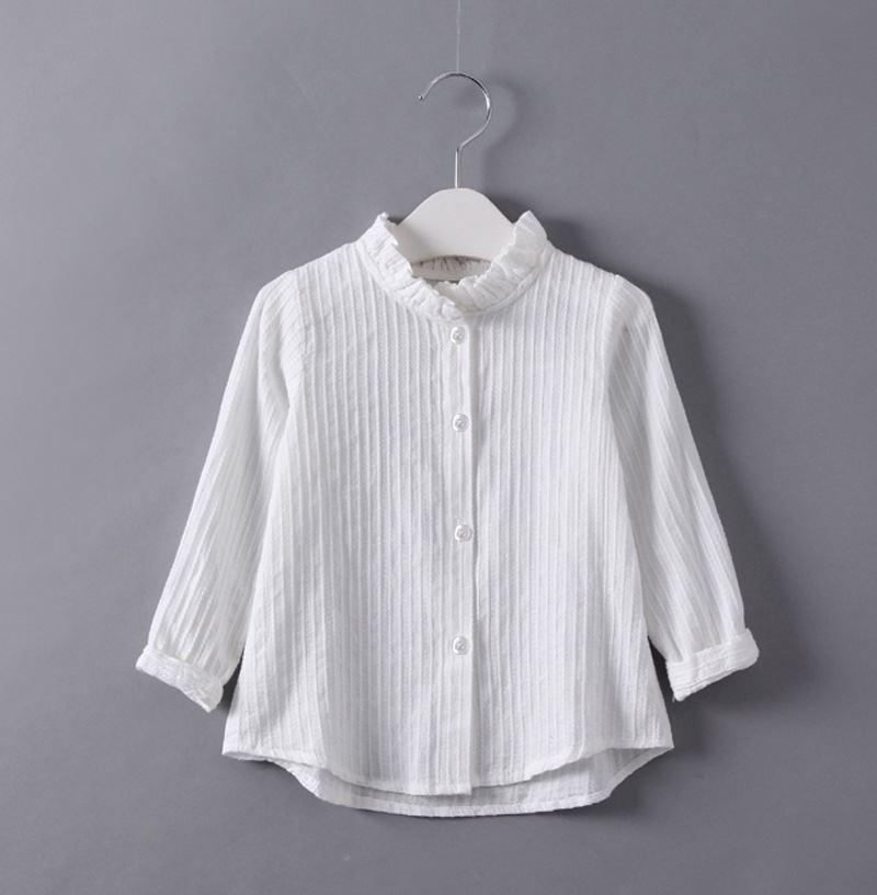 เสื้อเชิ้ตสีขาวแขนยาวคอระบาย