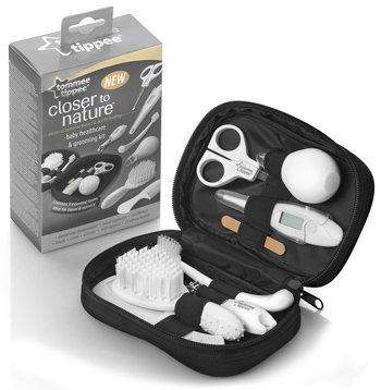 Tommee Tippee Closer to Nature Healthcare and Grooming Kit ชุดทำความสะอาด เจ้าตัวน้อยจอมซน...นำเข้า พร้อมกระเป๋า ตามรูปค่ะ