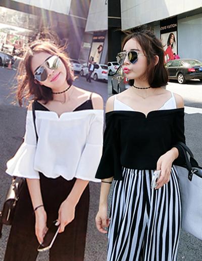 เสื้อแฟชั่นสายเดี่ยว โชว์ไหล่ สวยหวานสไตล์เกาหลี มี 2 สี ขาว/ดำ