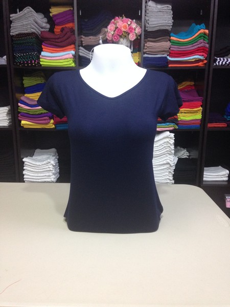 """เสื้อยืดคอวี สีกรมท่าเข้ม size """"M"""""""