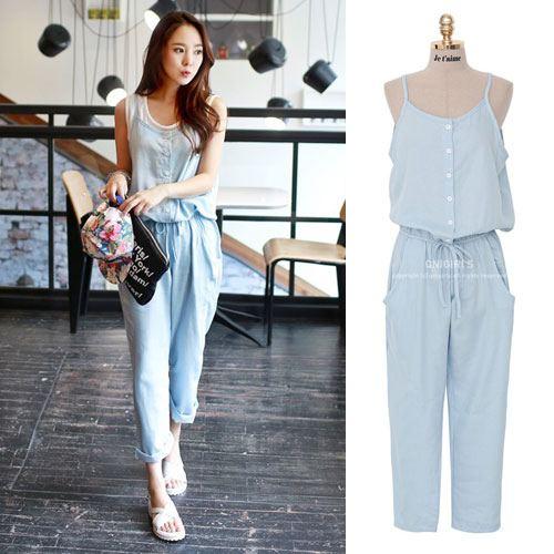 ++สินค้าพร้อมส่งค่ะ++ Jumpsuit กางเกงขายาวเกาหลี สายเดี่ยว ผ้ายีนส์เนื้อดี ดีไซดืกระดุมหน้าเก๋ เอวจั้มแบบยางยืดน่ารัก – สี Light Blue