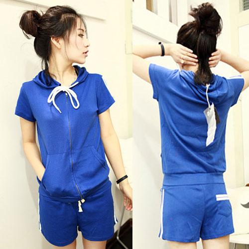 ++สินค้าพร้อมส่งค่ะ++Sport set เกาหลี เสื้อ Jacket แขนสั้น มี hood แต่งแถบที่ไหล่ กระเป๋าสองข้าง+กางเกงขาสั้น มี 3 สีค่ะ – สีน้ำเงิน