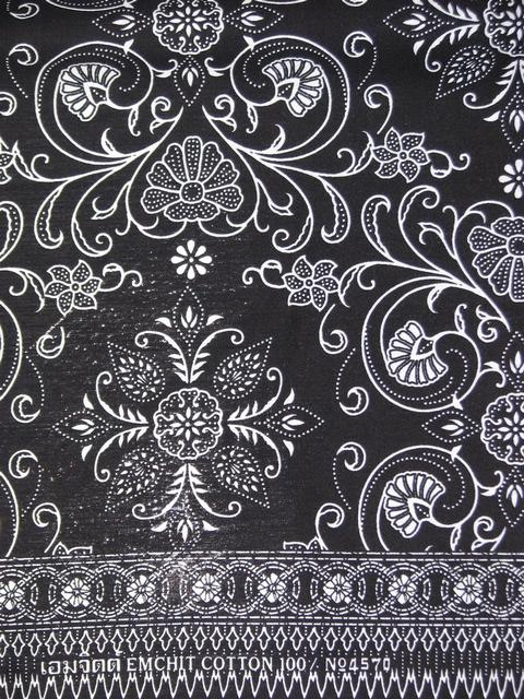 ผ้าถุงขาวดำ ec4570bk