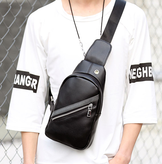 Pre-order กระเป๋าผู้ชายคาดอก สะพายลำลองสบายๆ ใส่ ipad tap 8 นิ้ว แฟขั่นเกาหลี รหัส Man-5202 สีดำ