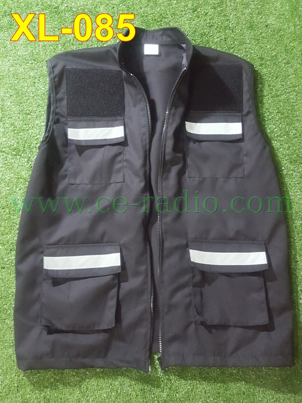 เสื้อกี๊ก ว.4 สีดำ ติดแทบสะท้อนแสง 5 จุด 4 กระเป๋าหน้า XL