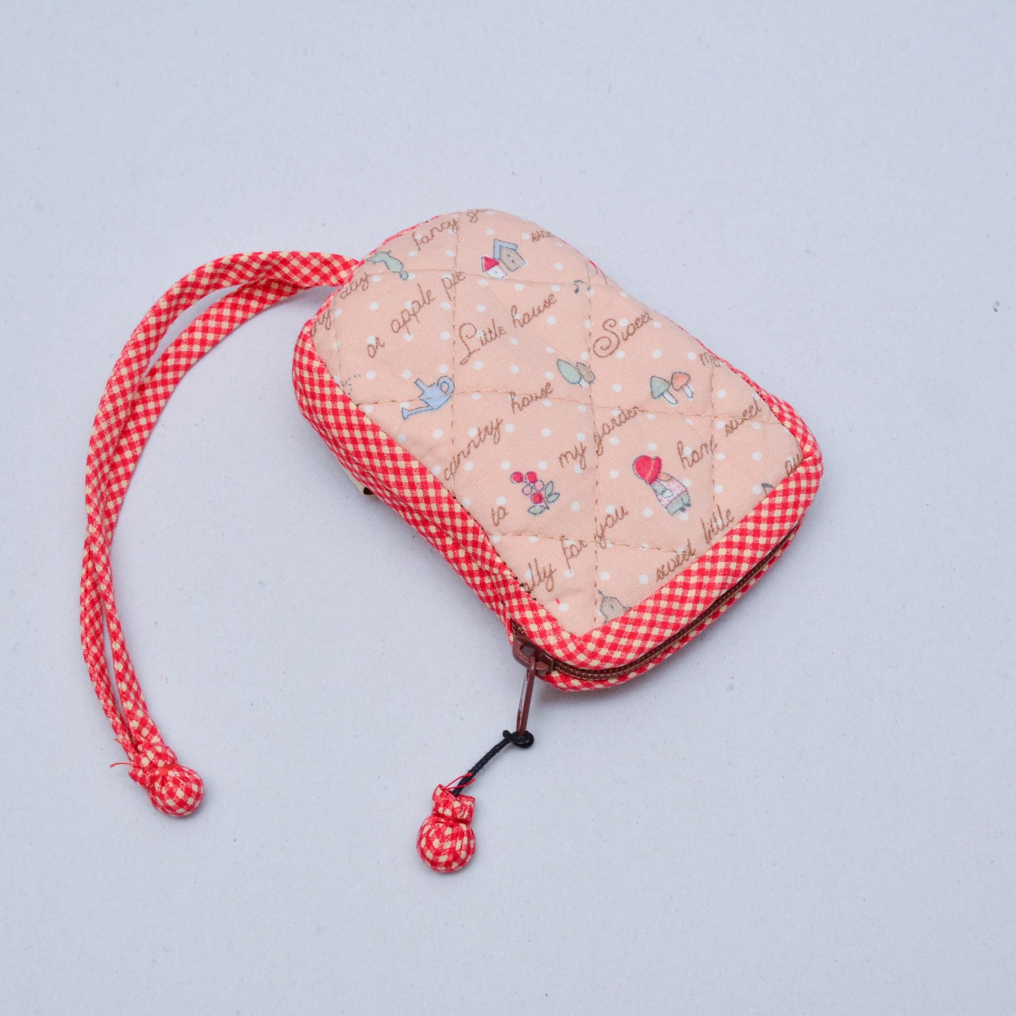 กระเป๋าใส่กุญแจ สีแดง No.05