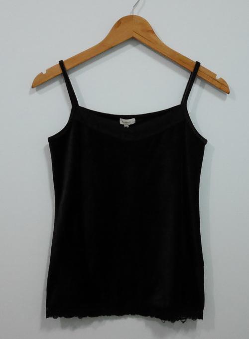 jp4093 เสื้อสายเดี่ยวผ้ากำมะหยี่สีน้ำตาล รอบอก 30-32 นิ้ว