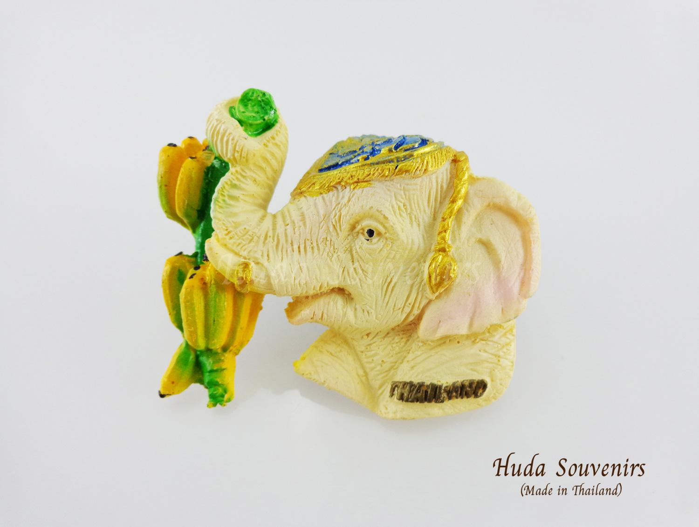 ของที่ระลึกไทย แม่เหล็กติดตู้เย็น ลวดลายช้างใช้งวงจับผลไม้ วัสดุเรซิ่น ชิ้นงานปั้มลายเนื้อนูน ลงสีสวยงาม